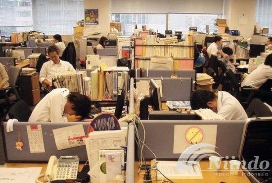 Jepang memperbolehkan karyawan tidur siang