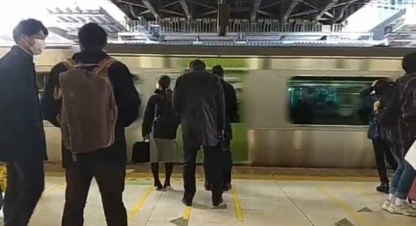 kereta-api-jepang-jr-east-tak-beroperasi-saat-malam-pergantian-tahun